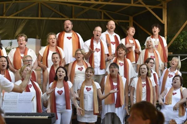 gemeindefest-verkleinert40055145-F5EC-8FEC-A254-3527B08DA0B1.jpg